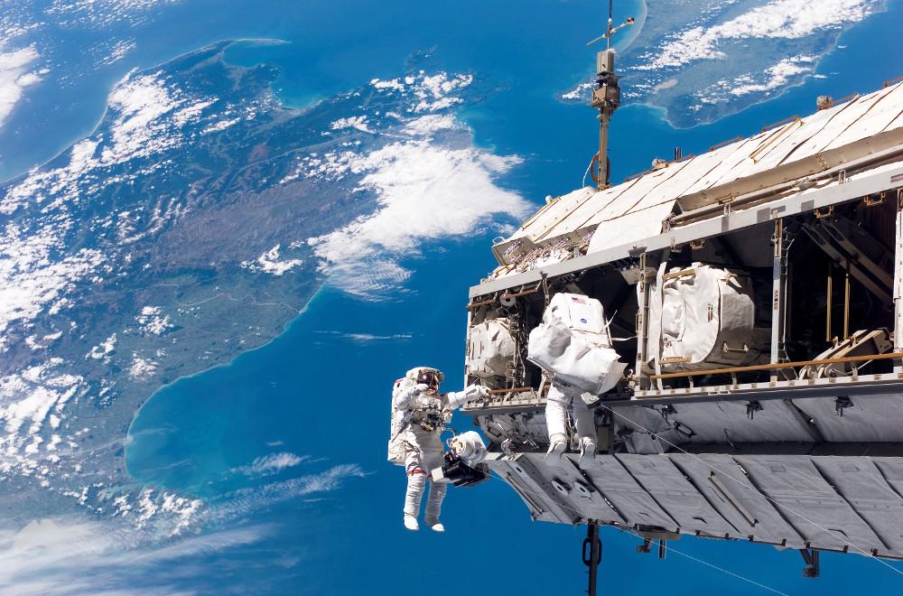 Fugelsang in Space